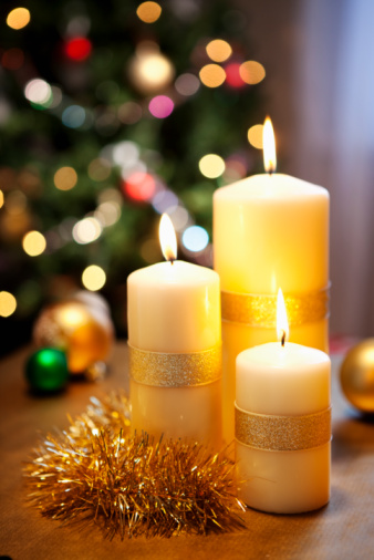 Candle「Christmas candles in front of christmastree.」:スマホ壁紙(10)