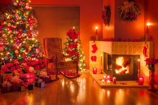 プレゼント「クリスマス、クリスマスツリー、暖炉、祝日、装飾。」:スマホ壁紙(13)