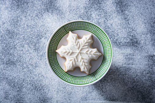 Gingerbread Cookie「Christmas cookie in the plate」:スマホ壁紙(10)