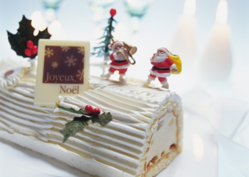 Log On「Christmas cake rolled up and covered with cream, Yolu log」:スマホ壁紙(18)