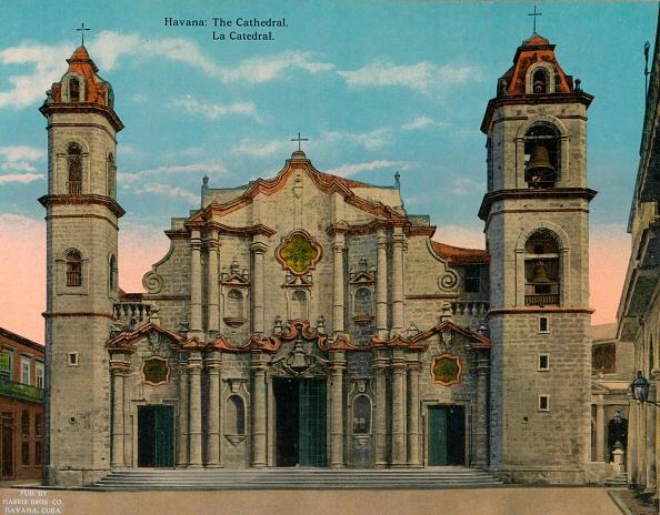 20-29 Years「Havana Cathedral Cuba c 1920」:写真・画像(18)[壁紙.com]