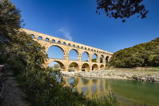 UNESCO「Pont du Gard, ancient Roman aqueduct, France」:スマホ壁紙(5)