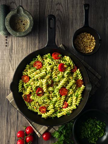 Pine Nut「Healthy fusilli pasta with vegan broccoli pesto sauce」:スマホ壁紙(18)