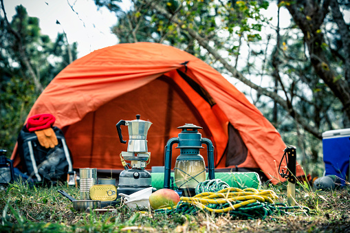 Tent「Equipment and accessories for mountain hiking in the wilderness」:スマホ壁紙(17)