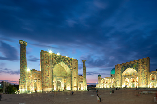 Iranian Culture「Registan - the central square of ancient Samarkand surrounded by 3 madrassas, Uzbekistan, 2019」:スマホ壁紙(14)