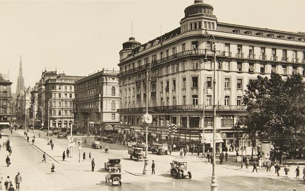 City Life「View From Kärntner Ring On The Hotel Bristo」:写真・画像(4)[壁紙.com]