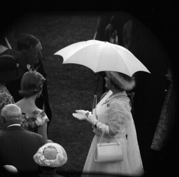 Victor Blackman「Buckingham Palace Garden Party」:写真・画像(4)[壁紙.com]