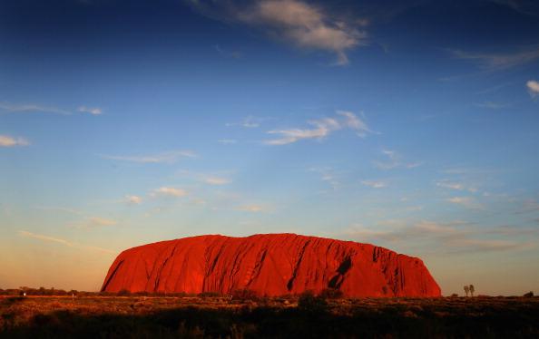 Famous Place「Royal Visit Preview: Uluru」:写真・画像(9)[壁紙.com]