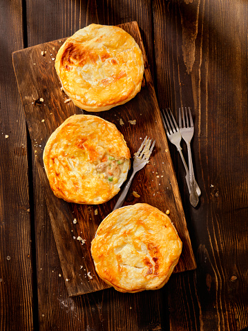 Rustic「Chicken pot Pies with Puff Pastry」:スマホ壁紙(17)