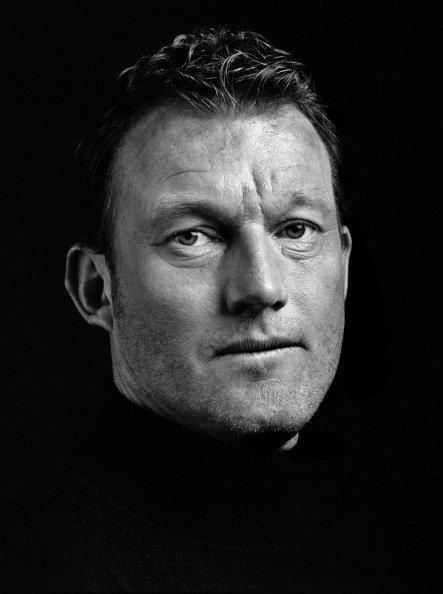 Black Background「Dave Beasant」:写真・画像(11)[壁紙.com]