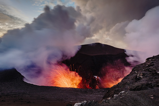 Volcanic Activity「Exloding Volcano Tanna Island Erupting Mount Yasur Vanuatu」:スマホ壁紙(7)