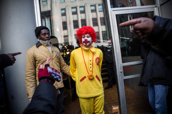 Fast Food「McDonald's Workers, Activists Protest McDonald's Labor Practices」:写真・画像(10)[壁紙.com]