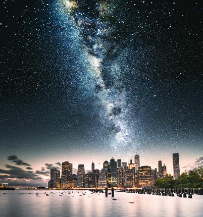 天の川「ニューヨーク市のスカイライン以上星」:スマホ壁紙(5)