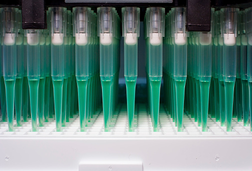 Oncology「Robot microfluidics dispensation」:スマホ壁紙(6)
