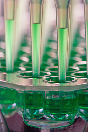 Oncology「Robot microfluidics dispensation」:スマホ壁紙(10)