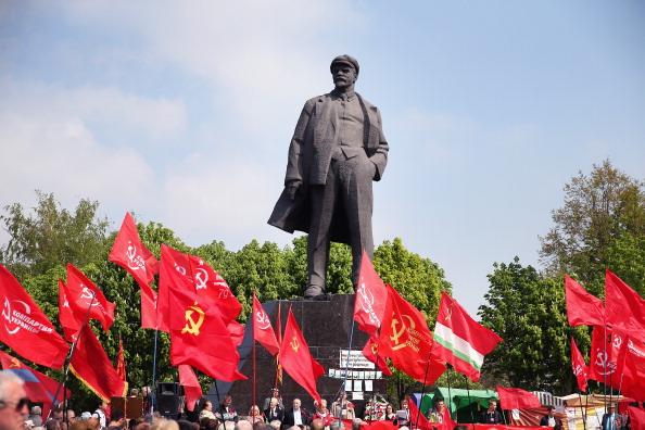Sculpture「Tension Mounts In Eastern Ukraine」:写真・画像(14)[壁紙.com]