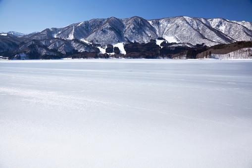 雪「Aoki Lake」:スマホ壁紙(15)