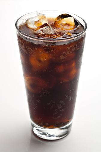 Coke「glass of soda with ice cubes」:スマホ壁紙(0)