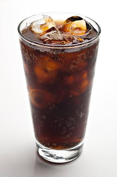 glass of soda with ice cubes:スマホ壁紙(壁紙.com)