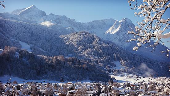 Snow mountain「ガルミッシュパルテンキルヘン,ドイツ」:スマホ壁紙(18)
