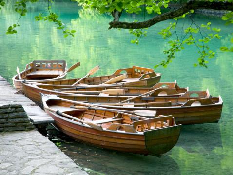 Shallow「Rowing boats on Kozjak Lake, Plitvice NP, Croatia」:スマホ壁紙(0)