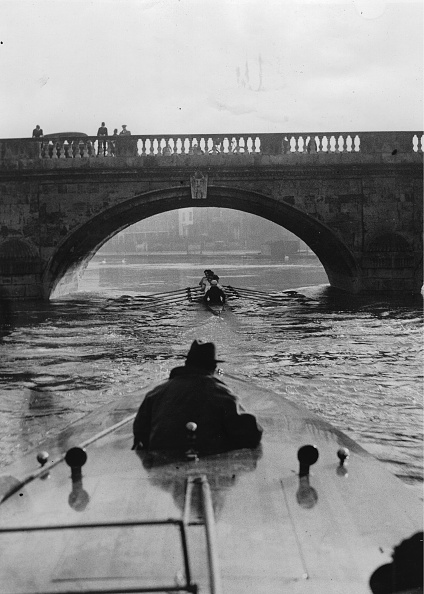 High School Student「Rowing Boat Oxford Team During Training」:写真・画像(4)[壁紙.com]