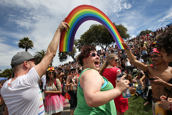 Celebration「Day After Landmark High Court Ruling Supporting Gay Marriage, Pride Weekend Celebrating In San Franciso」:写真・画像(13)[壁紙.com]
