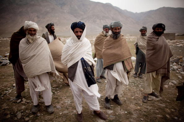 Kabul「Pashtun Tribesmen and Chidren Living On The Outskirts Of Kabul」:写真・画像(10)[壁紙.com]