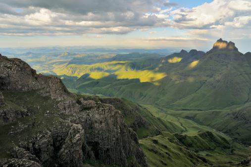 Escarpment「Drakensberg Mountains from the Escarpment」:スマホ壁紙(4)