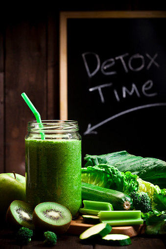 Kiwi「Infused green vegetables water detox drink」:スマホ壁紙(17)