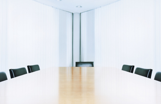 Meeting「Empty boardroom, view across table」:スマホ壁紙(12)