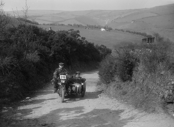 E「499 cc Rudge-Whitworth and sidecar of E Travers, MCC Lands End Trial, Beggars Roost, Devon, 1936」:写真・画像(18)[壁紙.com]