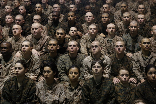 アメリカ合衆国「Women Attend Marine Boot Camp At Parris Island, South Carolina」:写真・画像(18)[壁紙.com]