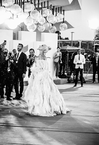 A Star Is Born - 2018 Film「A Star Is Born Red Carpet Arrivals - 75th Venice Film Festival」:写真・画像(19)[壁紙.com]
