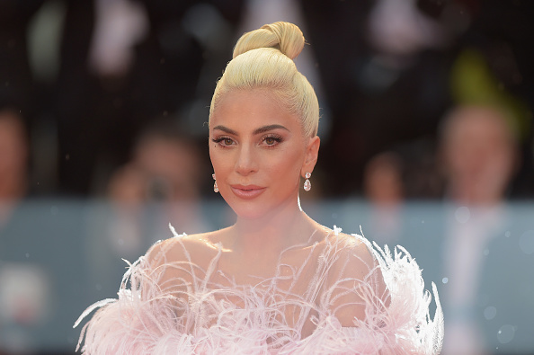 A Star Is Born - 2018 Film「A Star Is Born Red Carpet Arrivals - 75th Venice Film Festival」:写真・画像(14)[壁紙.com]