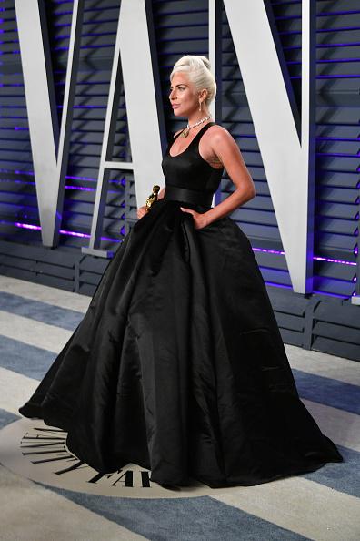 Shallow「2019 Vanity Fair Oscar Party Hosted By Radhika Jones - Arrivals」:写真・画像(16)[壁紙.com]