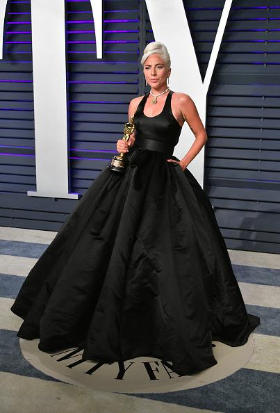 Shallow「2019 Vanity Fair Oscar Party Hosted By Radhika Jones - Arrivals」:写真・画像(7)[壁紙.com]