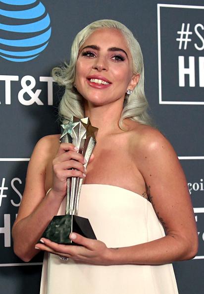 Shallow「The 24th Annual Critics' Choice Awards - Press Room」:写真・画像(16)[壁紙.com]