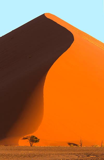 Giant sand dune:スマホ壁紙(壁紙.com)