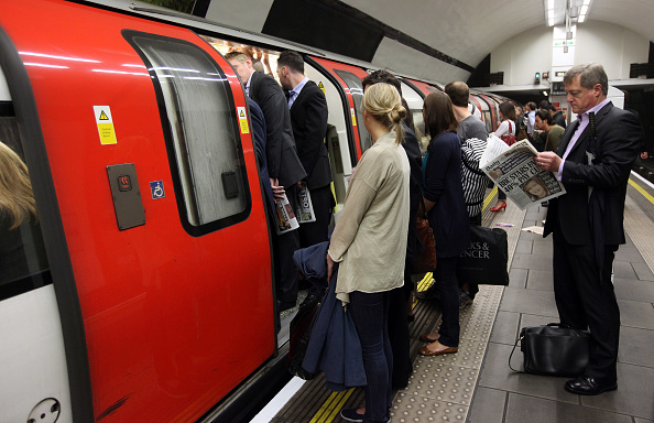 Clapham Common「Commuter Chaos As RMT Workers Bring London Underground To A Standstill」:写真・画像(7)[壁紙.com]