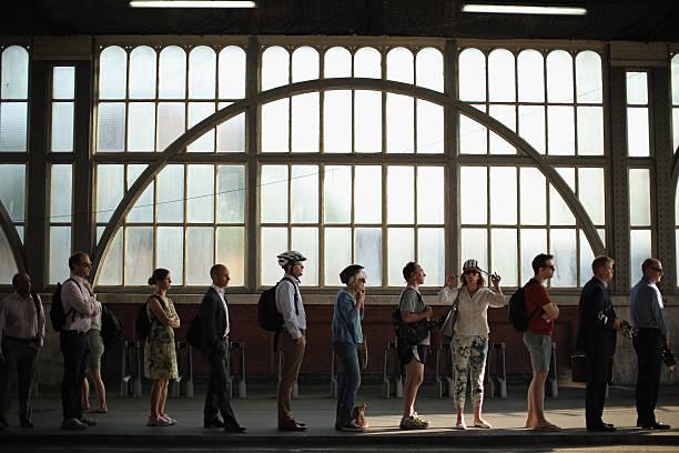 London Underground Strikes Affect Workers' Journeys:ニュース(壁紙.com)