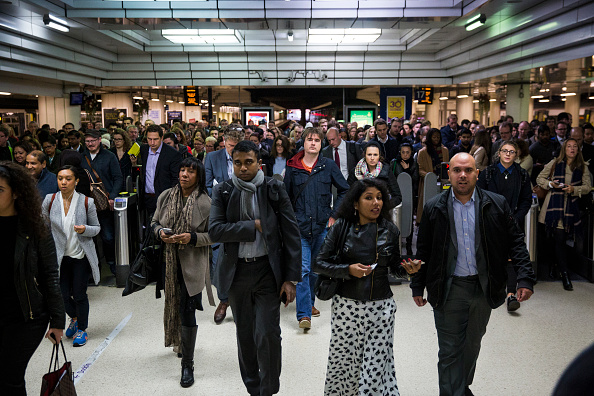 Employment And Labor「South Coast Commuters Travel In To London On The Second Three-Day Southern Rail Strike」:写真・画像(2)[壁紙.com]
