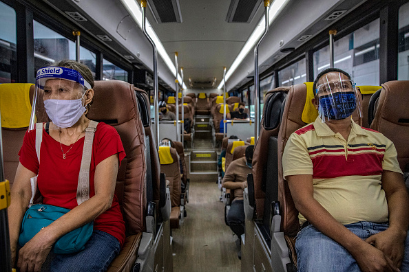 Bus「The Philippines Impose Restrictions As Coronavirus Cases Rise」:写真・画像(10)[壁紙.com]