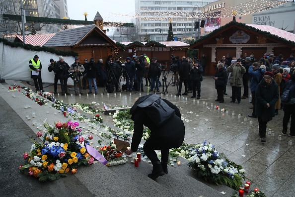 2016 Berlin Christmas Market Attack「Germany Commemorates 2016 Christmas Market Terror Attack」:写真・画像(4)[壁紙.com]