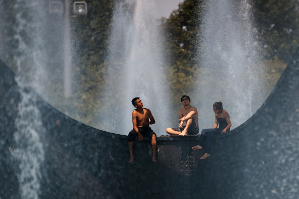 Teenager「Temperatures In New York City To Pass 90 Degrees, With Humidity Pushing Heat Index Towards 100」:写真・画像(6)[壁紙.com]