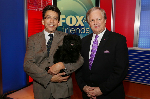 "Visit「Westminster Dog Show Best In Show Winner ""Banana Joe"" Visits Fox And Friends」:写真・画像(10)[壁紙.com]"