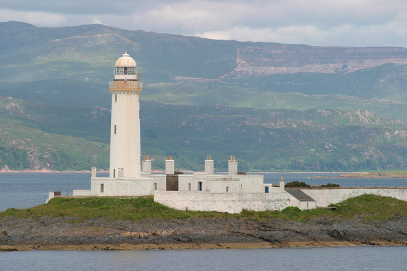 Ferry「The lighthouse on Eilean Musdile in the Firth of Lorn from the Oban to Mull ferry. July 2004.」:写真・画像(7)[壁紙.com]