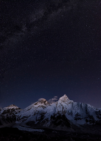 Himalayas「Nepal, Himalaya, Khumbu, Everest region, stars over Everest and Nuptse」:スマホ壁紙(0)