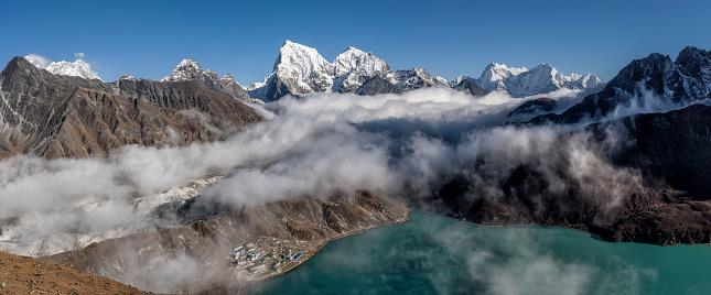 Khumbu「Nepal, Himalaya, Khumbu, Everest region, Gokyo, Cholatse」:スマホ壁紙(2)