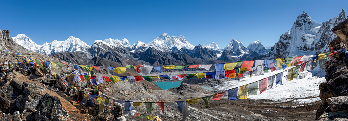 Khumbu「Nepal, Himalaya, Khumbu, Everest region, Renjo La, Everest range」:スマホ壁紙(1)